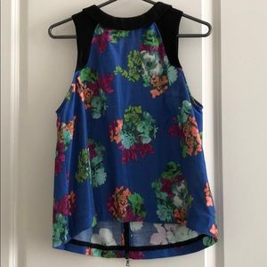Anthropologie HD Paris floral top with zipper back